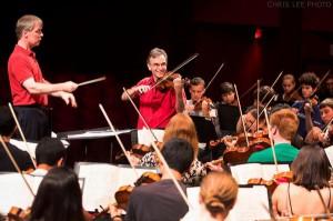 David Robertson and Gil Shaham in rehearsal with the NYO-USA.