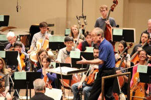 David Robertson conducts the side-by-side rehearsal.