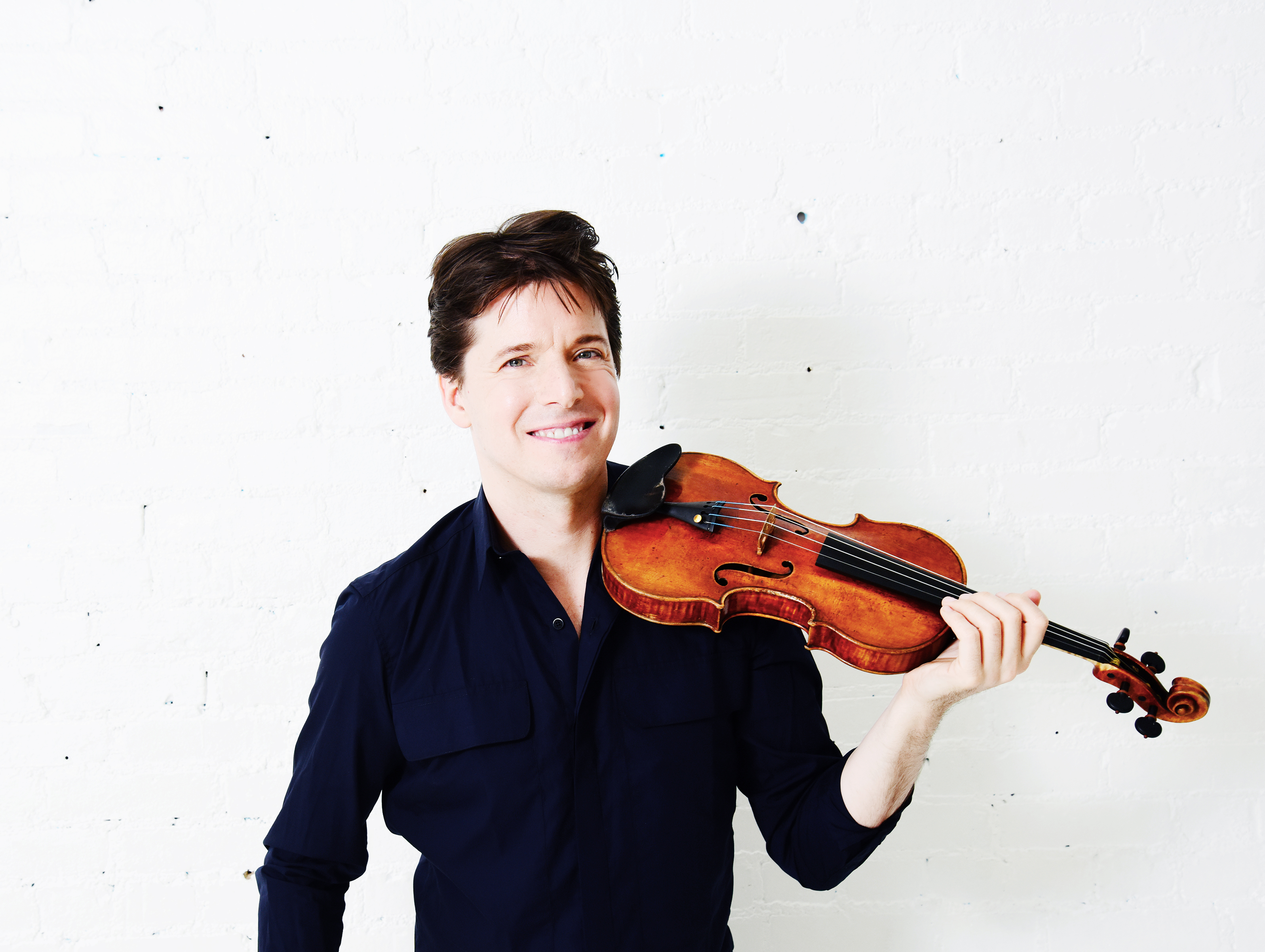 Joshua Bell. Photo credit Shervin Lainez.